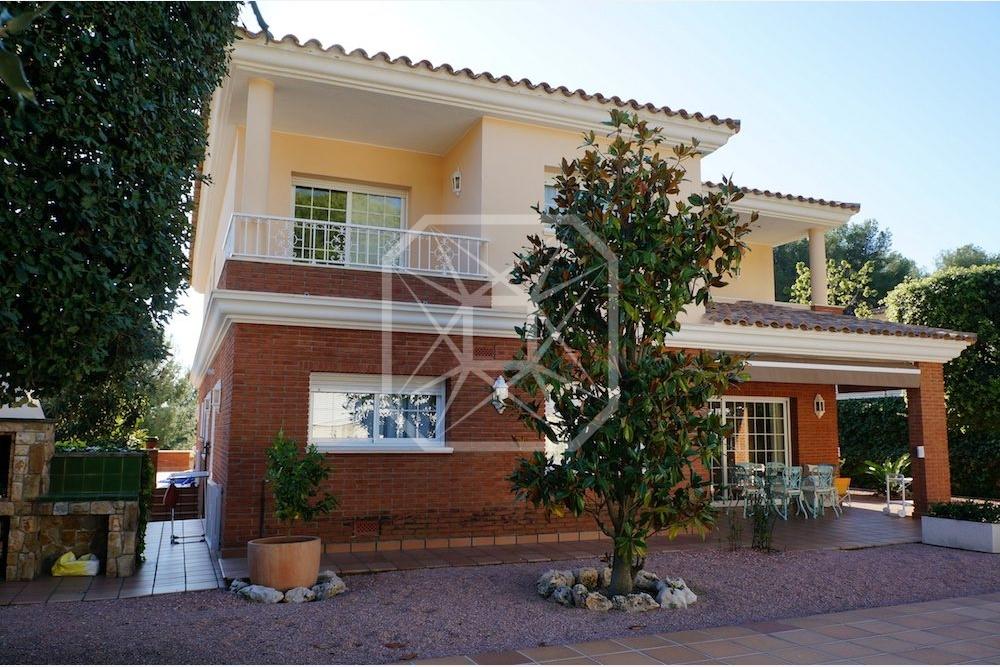 Casa con piscina en Teia Maresme