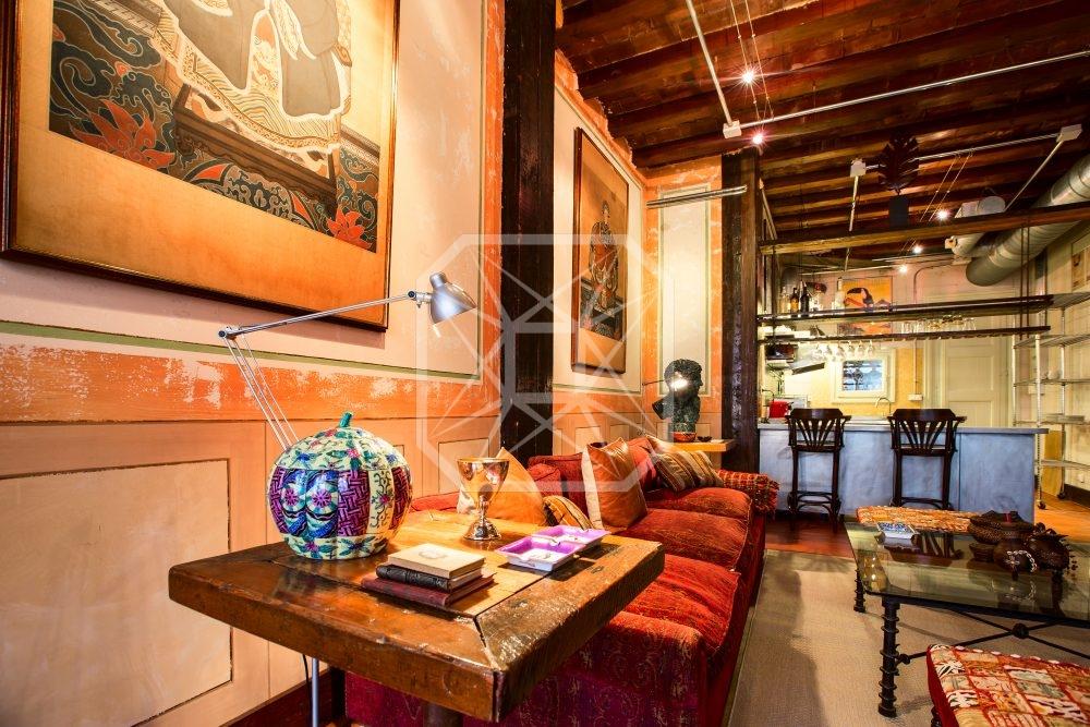 Mágica y exquisita casa colorida en Eixample, Pelayo