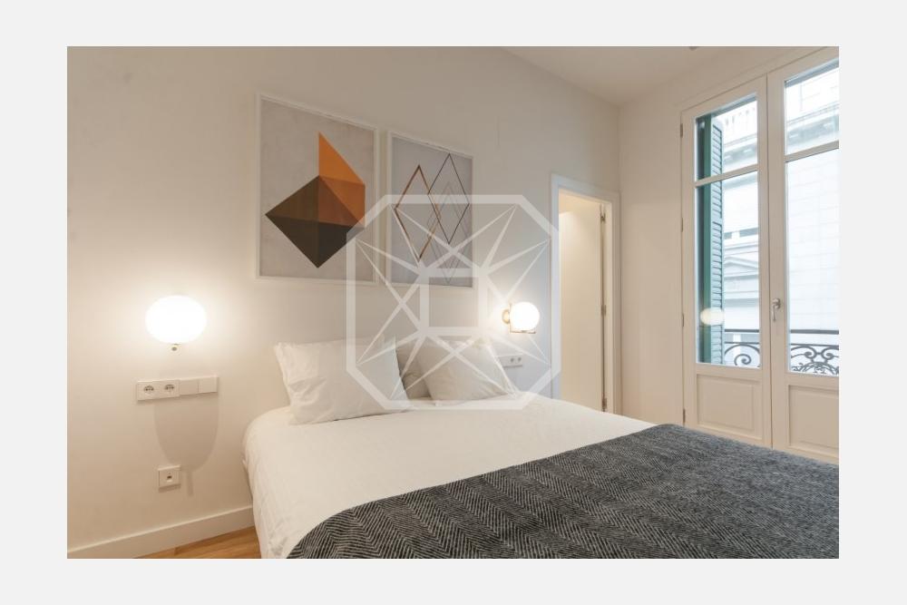 Ático con vistas de 200m2 y 4 habitaciones en Galvany Barcelona