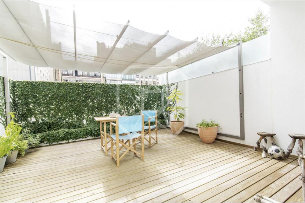 Dúplex de 140m2 en Paseo de Gracia con terraza y parking