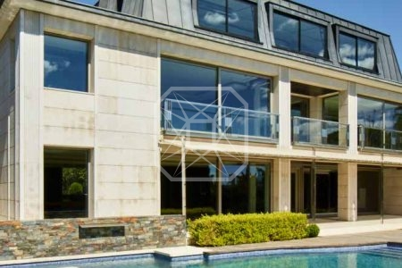 Excepcional casa con jardín, piscina y vistas en Pearson