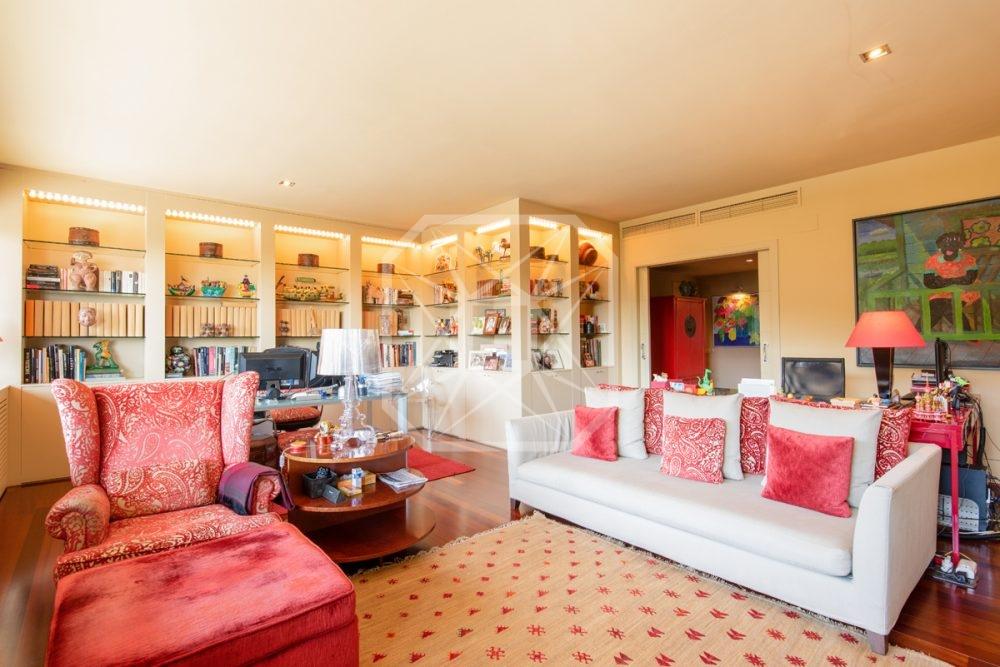 Casa en una privilegiado condominio en Sarriá