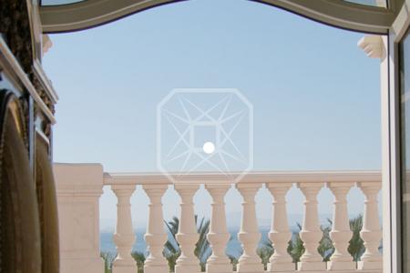 elegante y tranquila casa de estilo clsico en la bonanova