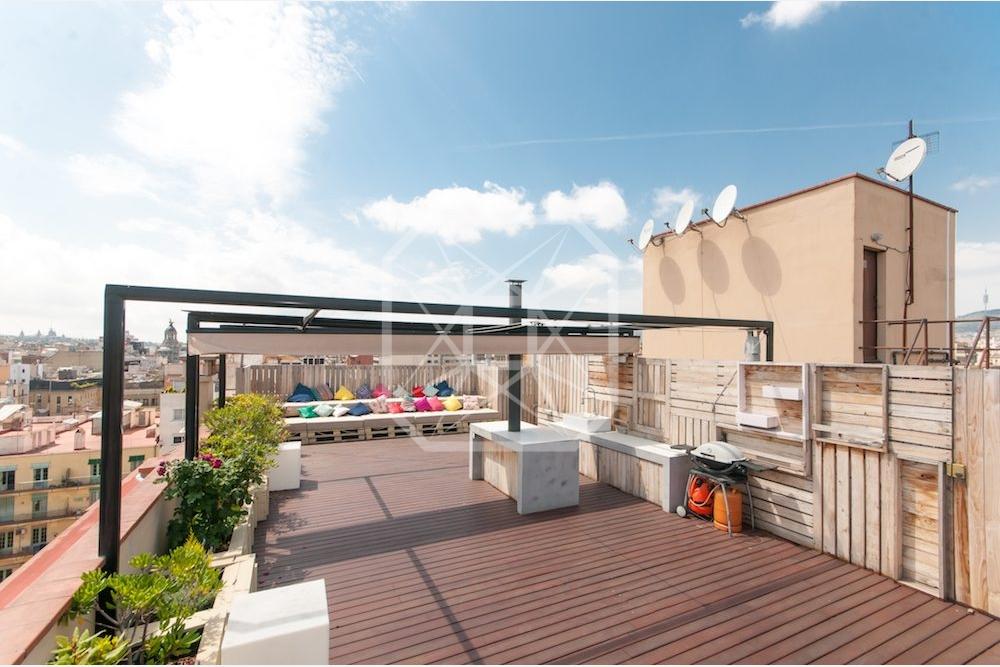 Tico en alquiler cerca de paseo de gracia con terraza bcn premium - Casas en alquiler cerca de barcelona ...