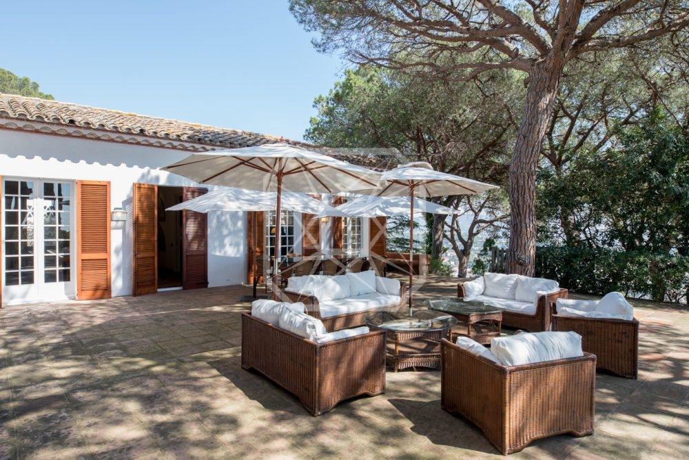 Villa Mediterránea en Premià de Dalt
