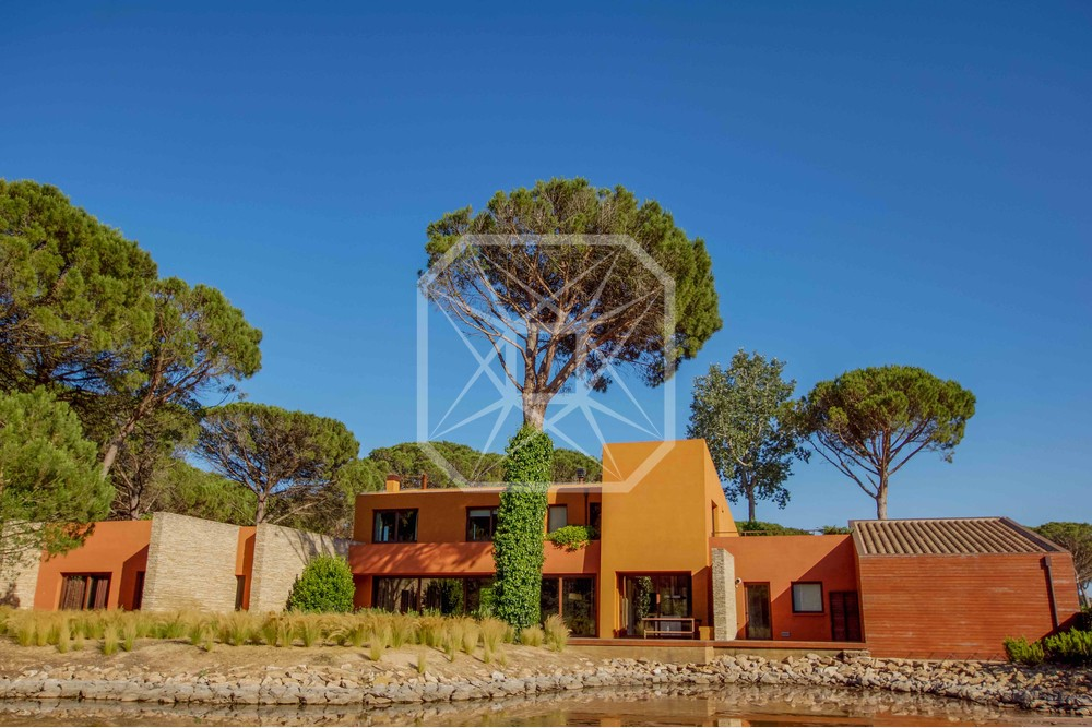 Preciosa casa contemporánea en el Golf Empordà