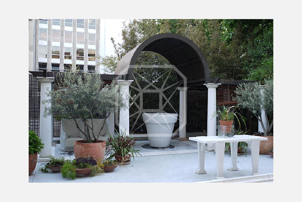 Principal modernista con patio en Paseo de Gracia