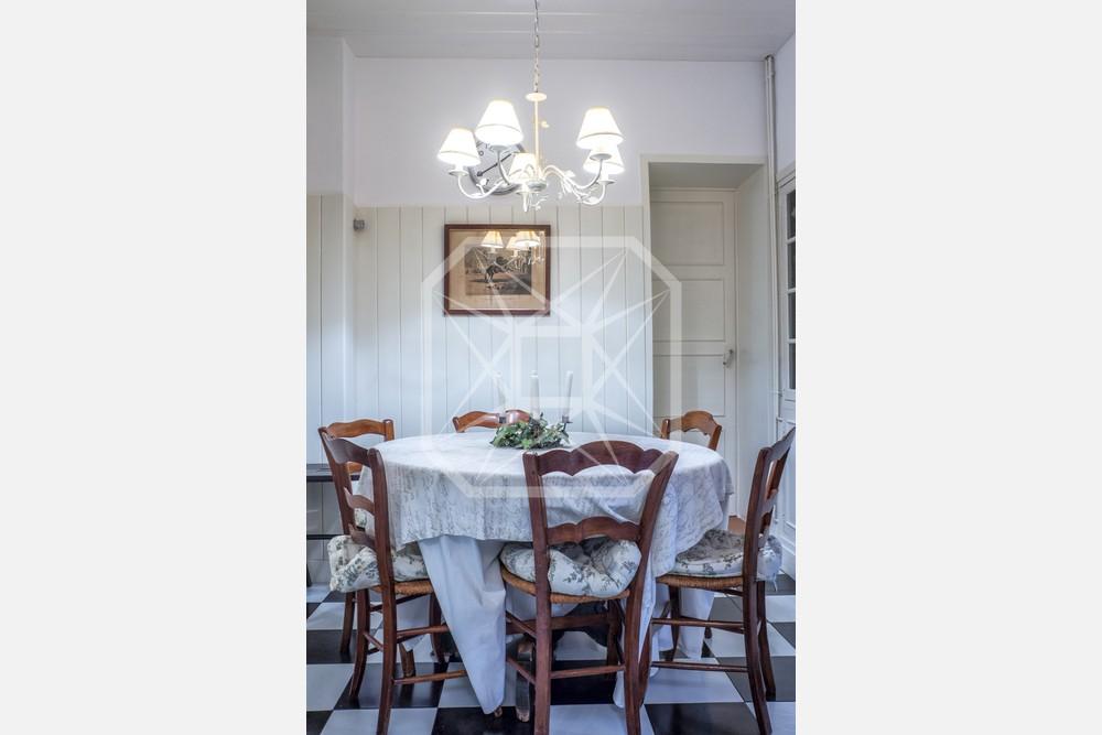 Casa histórica con espléndido jardín en Pedralbes