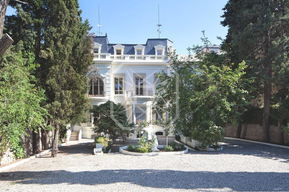 Formidable palacio con piscina en Sarriá